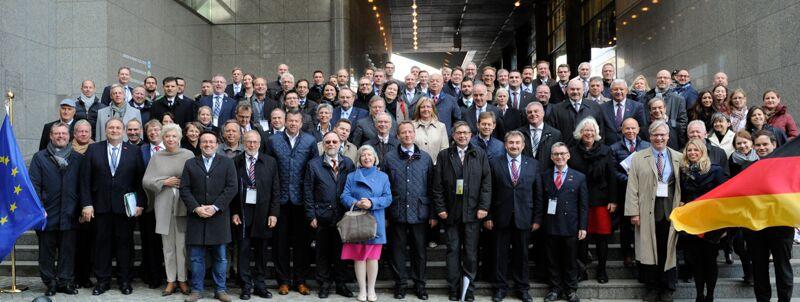 Europäisches Parlament der Unternehmen: Die deutsche Delegation versammelt für ein Gruppenfoto.
