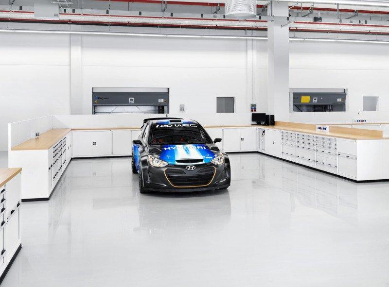 Hyundai Werk Alzenau mit Ausstattung von Werkzeug Weber